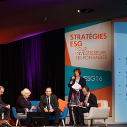 From left to right: Hubert de Milly (AFD), Véronique Vincent (Caisse des Dépôts), Frank Hovorka (UNEP FI), Anne-Catherine Husson-Traore (Novethic) and Simon Rowell (Big Capital Society)